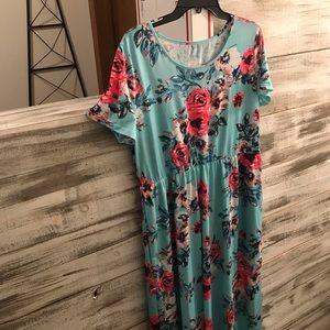 Dresses & Skirts - Full length maxi dress